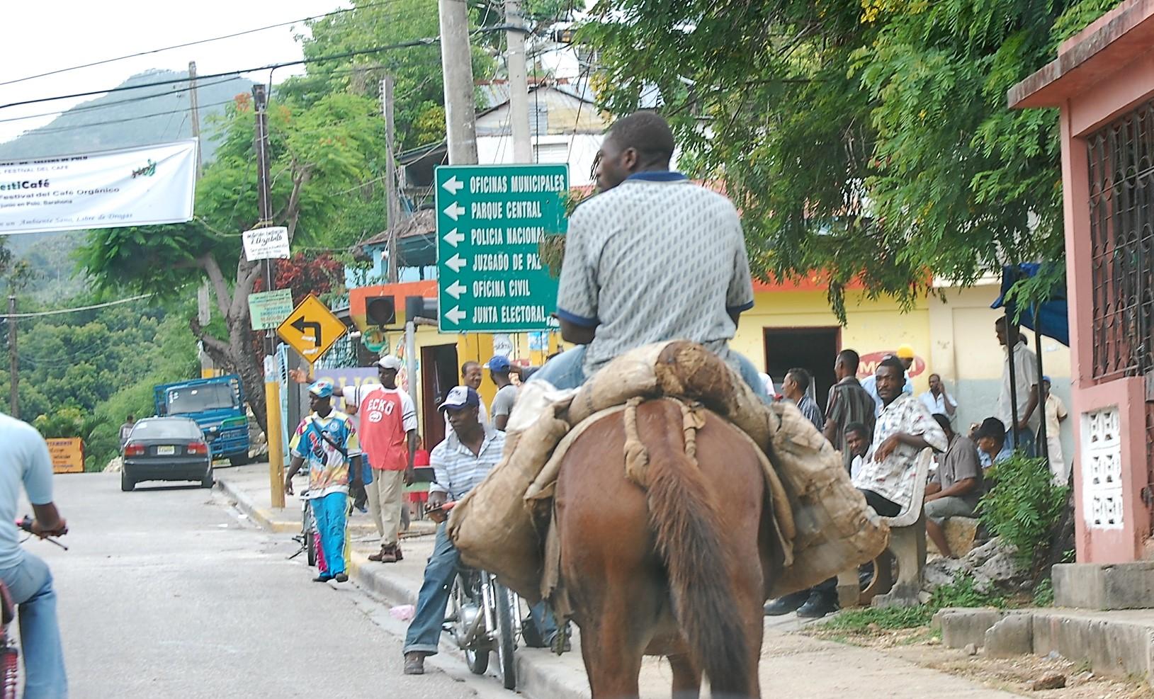Calle principal de Polo, Barahona