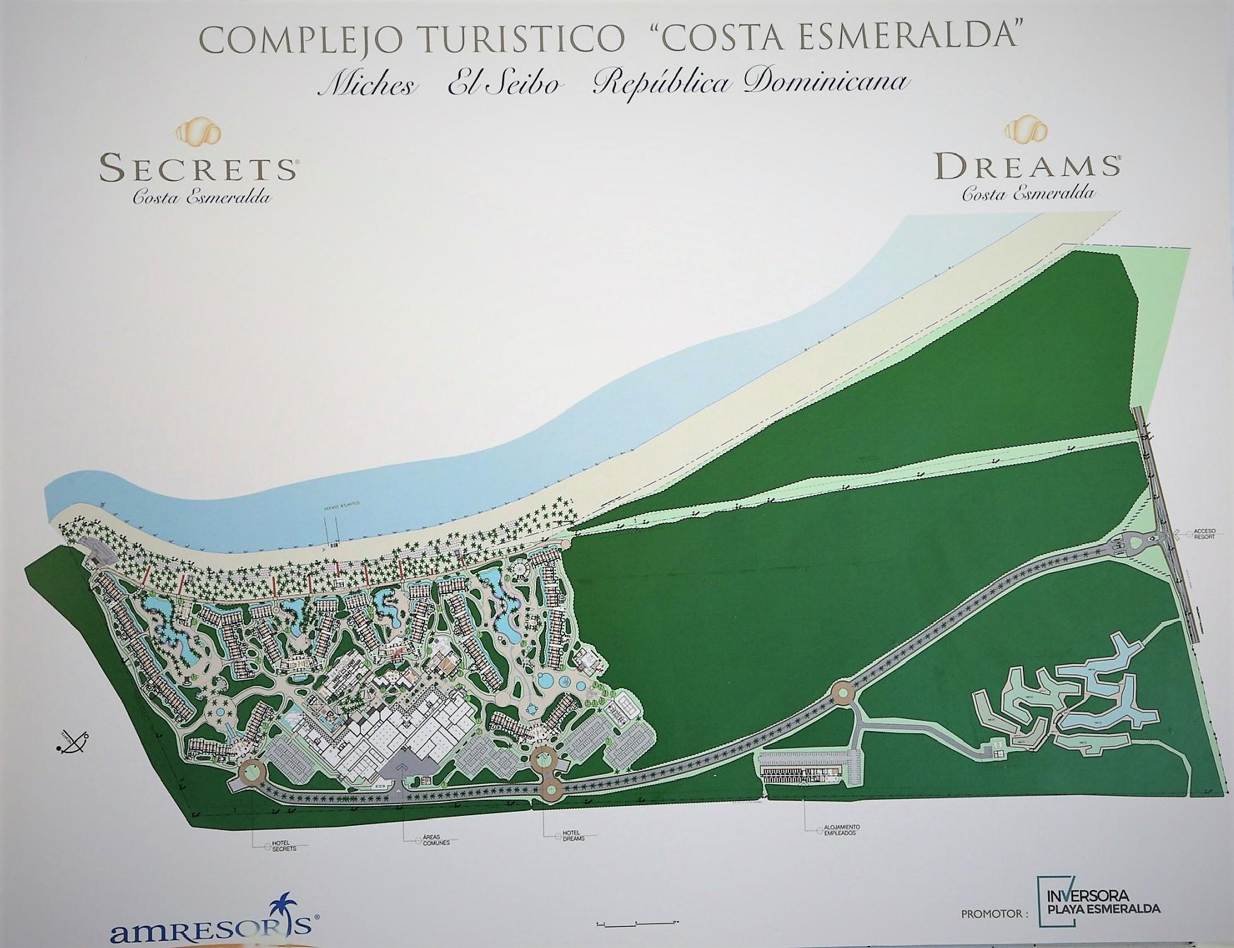 El complejo de hoteles Secrets Playa Esmeralda Punta Cana y Dreams justo sobre la línea de la playa Esmeralda Punta Cana, en Miches.