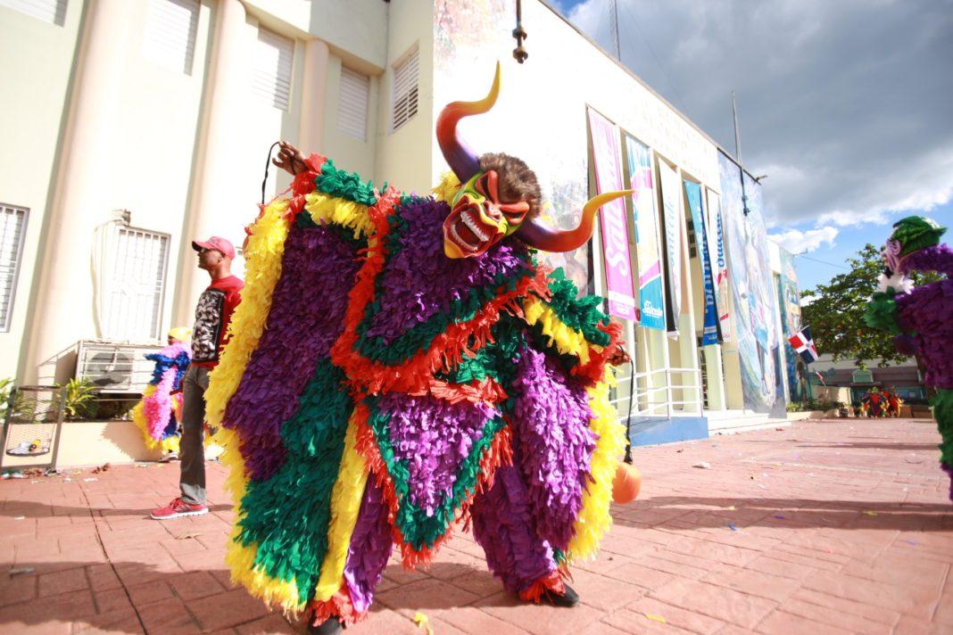 Maracao del Carnaval de Hermanas Mirabal (Salcedo)