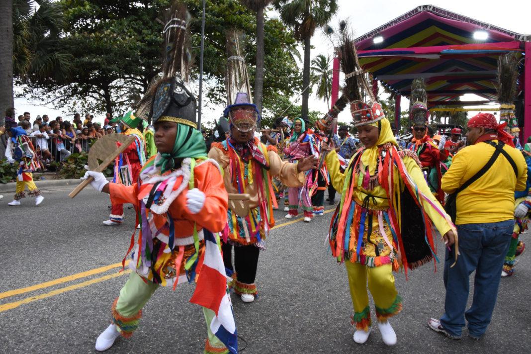 Vibró Santo Domingo con su Desfile Nacional de Carnaval 2020