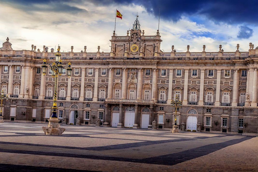 España elimina la cuarentena impuesta a los turistas pero a partir del primero de julio