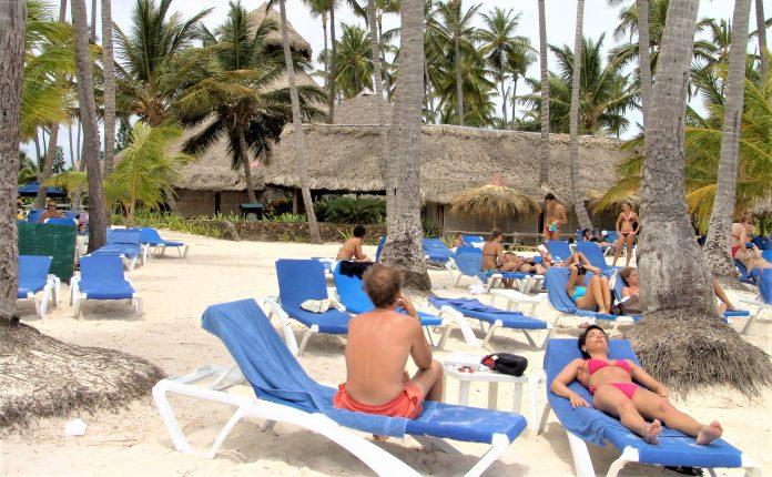 Bajar los impuestos para hacer competitivo el turismo dominicano en el tiempo del coronavirus