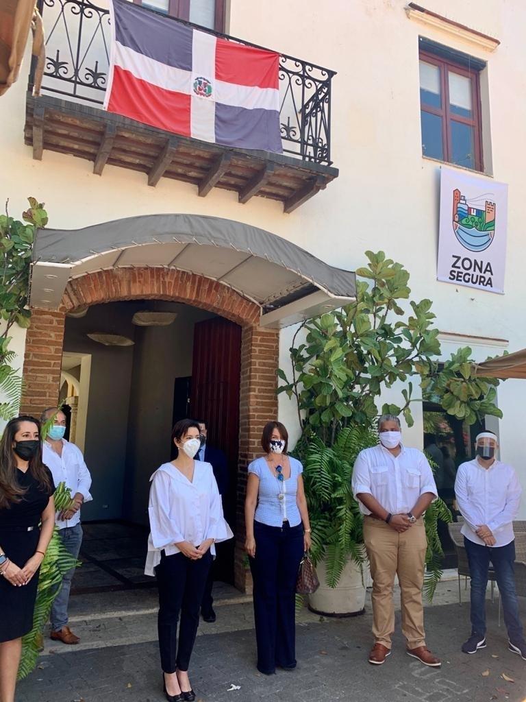 """La Zona Colonial de Santo Domingo reabrirá bajo la garantía del sello """"Zona Segura"""""""