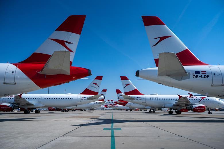 Flota de aviones de Austrian. Foto FlithtGlobal