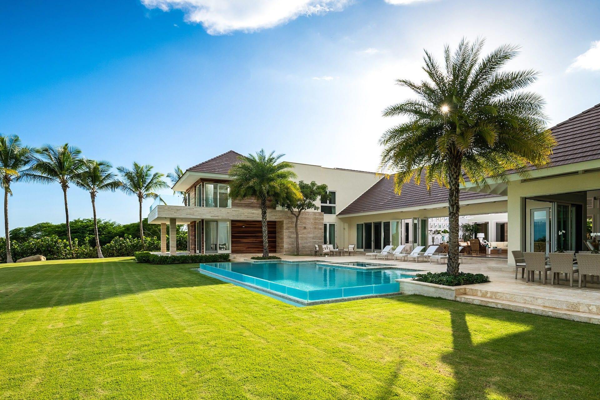 Las villas de Casa de Campo cuentan con un personal dedicado, piscina privada, elegantes áreas y detalles únicos.