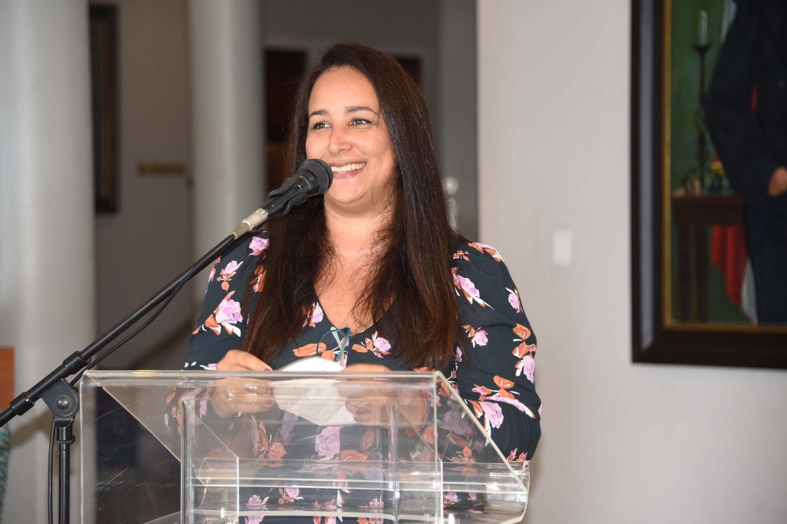 Geraldine de Santis es docente, escritora, traductora e investigadora ítalo-dominicana.