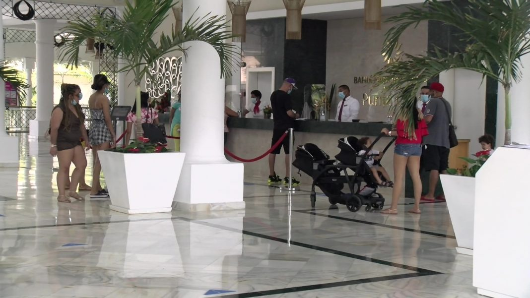 Autoridades inspeccionan hoteles en Bávaro y Punta Cana