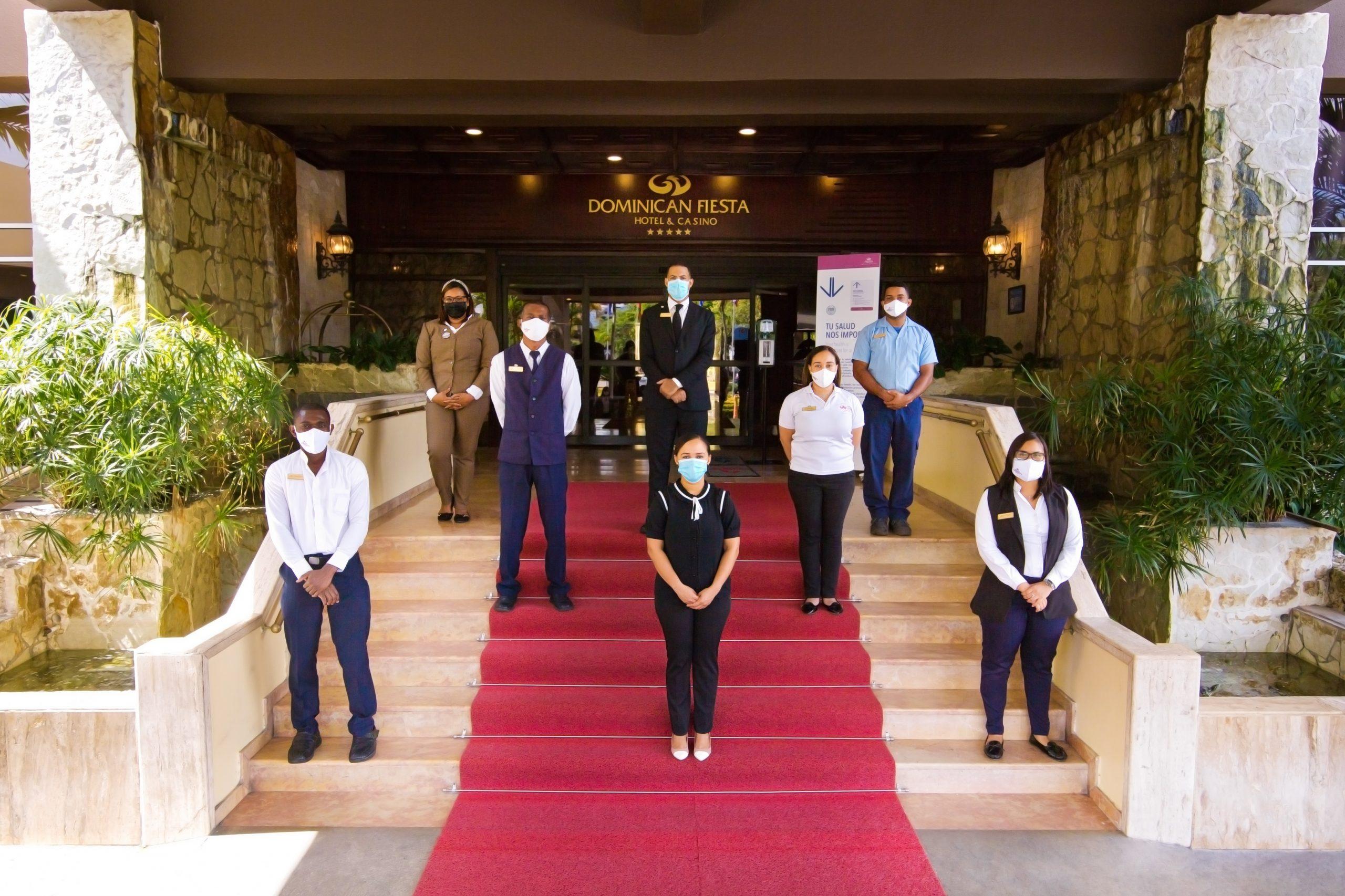 El uso de mascarillas será obligatorio para  todo el personal del hotel y para el huésped cuando se encuentre en las áreas comunes del hotel.