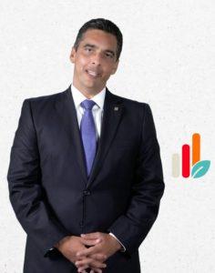 El señor Francisco Ramírez, vicepresidente ejecutivo de Negocios Personales y Sucursales.