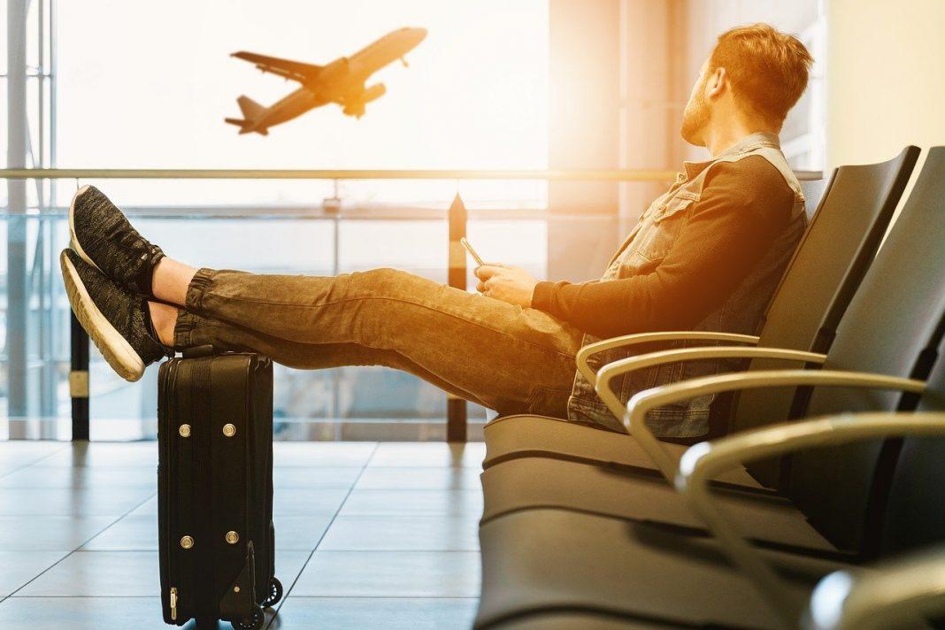 Aeropuertos vacíos por restricciones del Covid-19