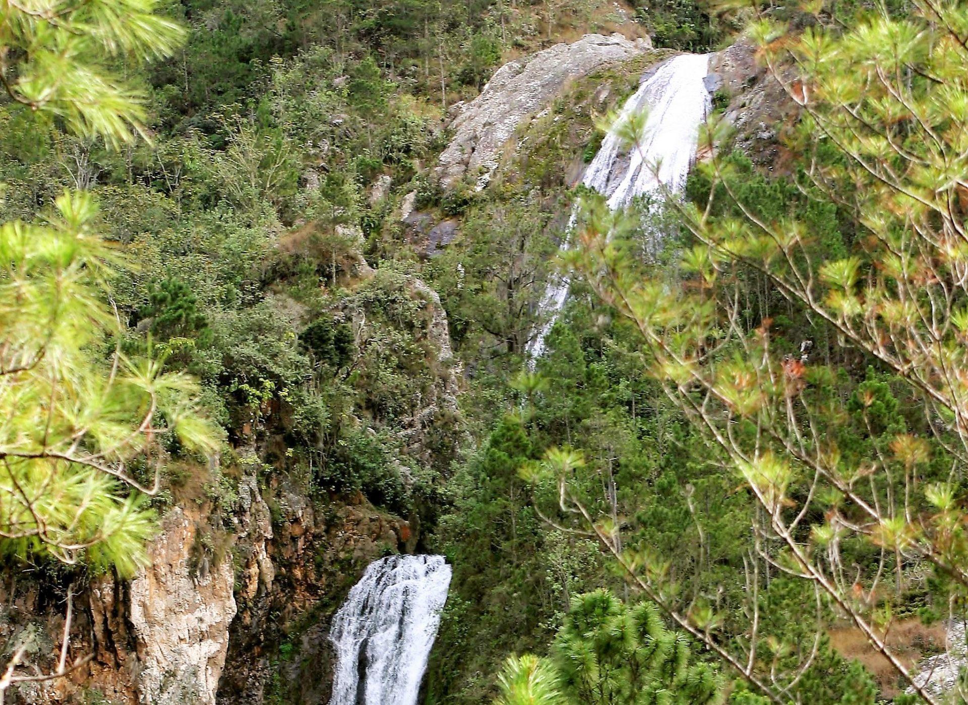 Turismo en Jarabacoa Salto Jimenoa Uno