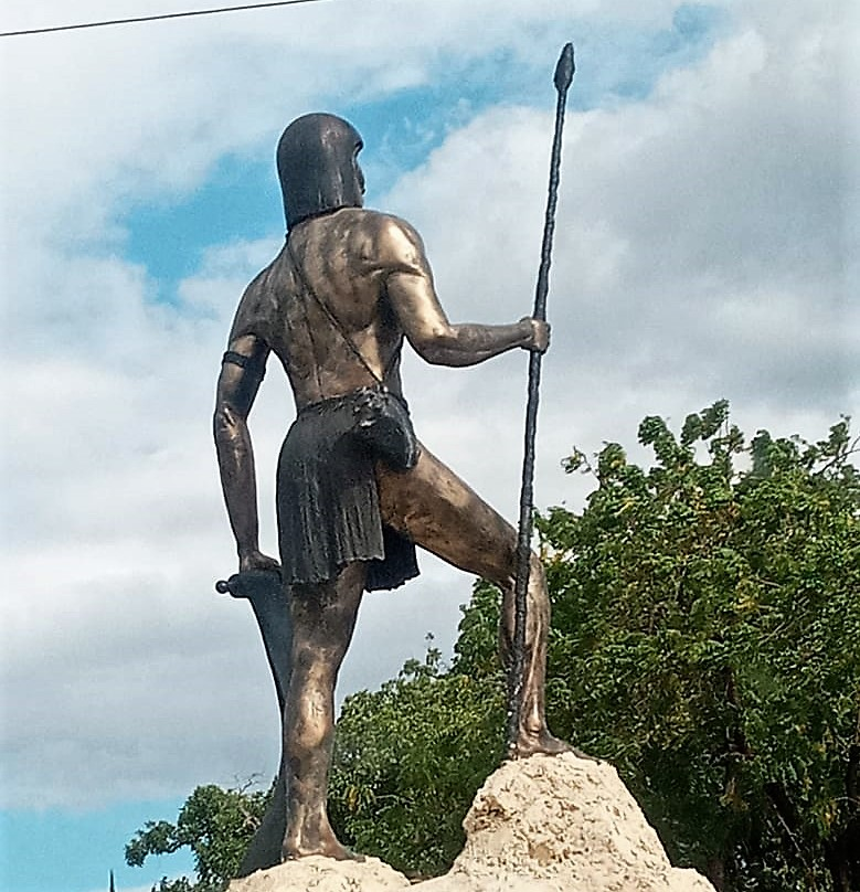 Estatua del indio Guarocuya en Azua